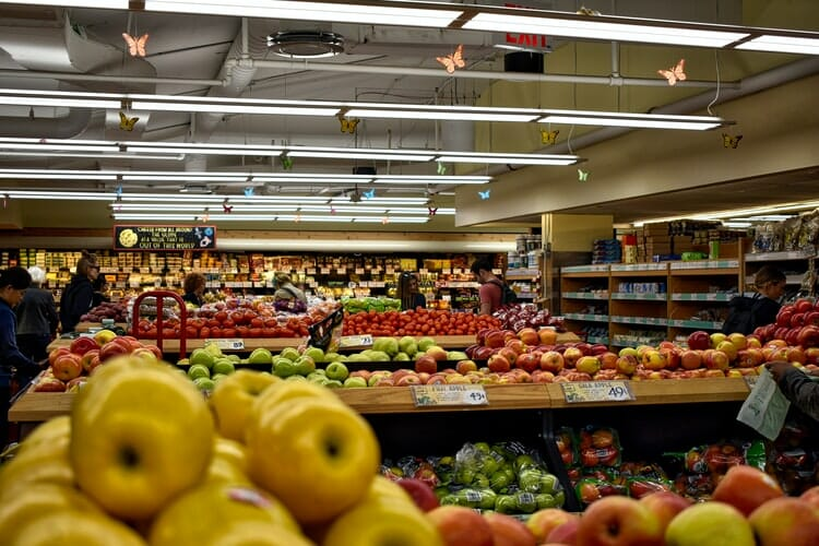 tips for keeping your customers and employees safe in your supermarket